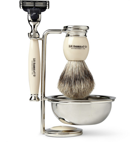 FOUR PIECE SHAVING SET